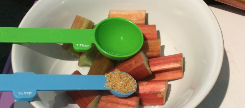 Rhubarb crumble breakfast