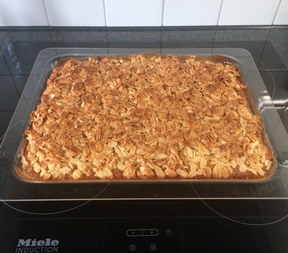 Belgium Apple Cake
