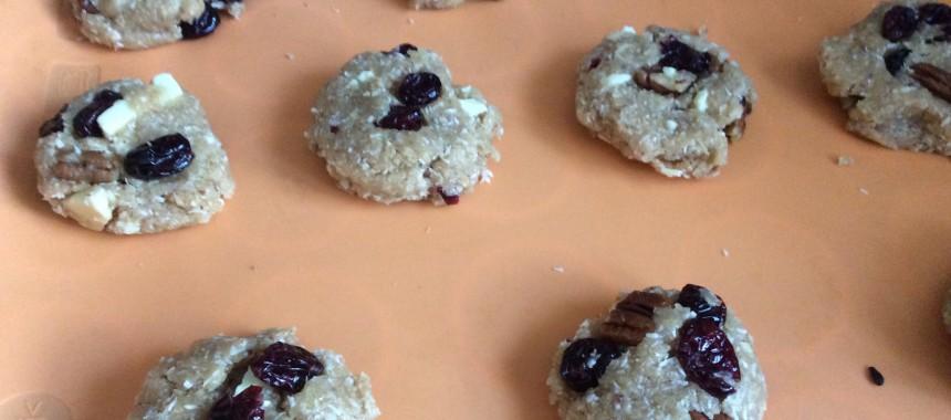 Vegan nut cookies