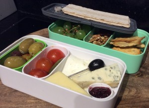 Cheese and biscuits bento