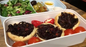 Goats cheese and onions bento